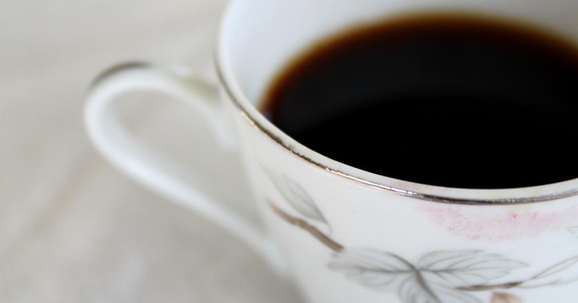Filiżanka aromatycznej kawy w najbardziej ponury poranek to dla wielu osób sposób na poprawę humoru
