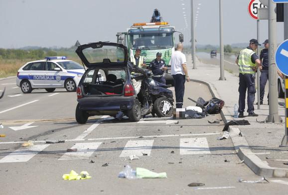 Od posledica sudara sve stvari iz automobila bile se razbacane po putu