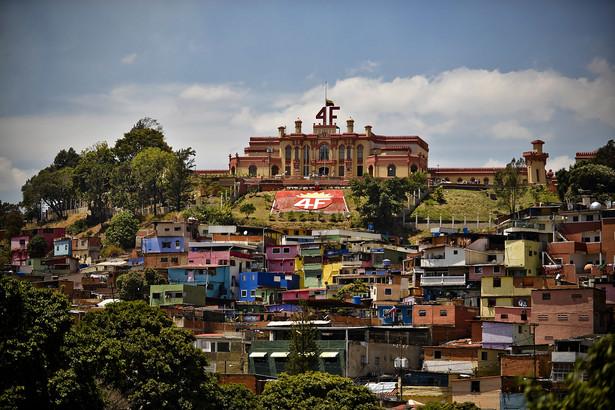 Podobnie do Stanów Zjednoczonych wiele innych krajów uznało wybory w Wenezueli za nieprawomocne.