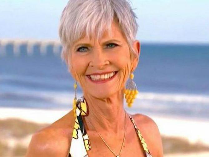 Ove žene imaju preko 60 godina, a u bikiniju izgledaju kao BOGINJE: Fotke BAKA koje ne smete tim imenom da nazovete