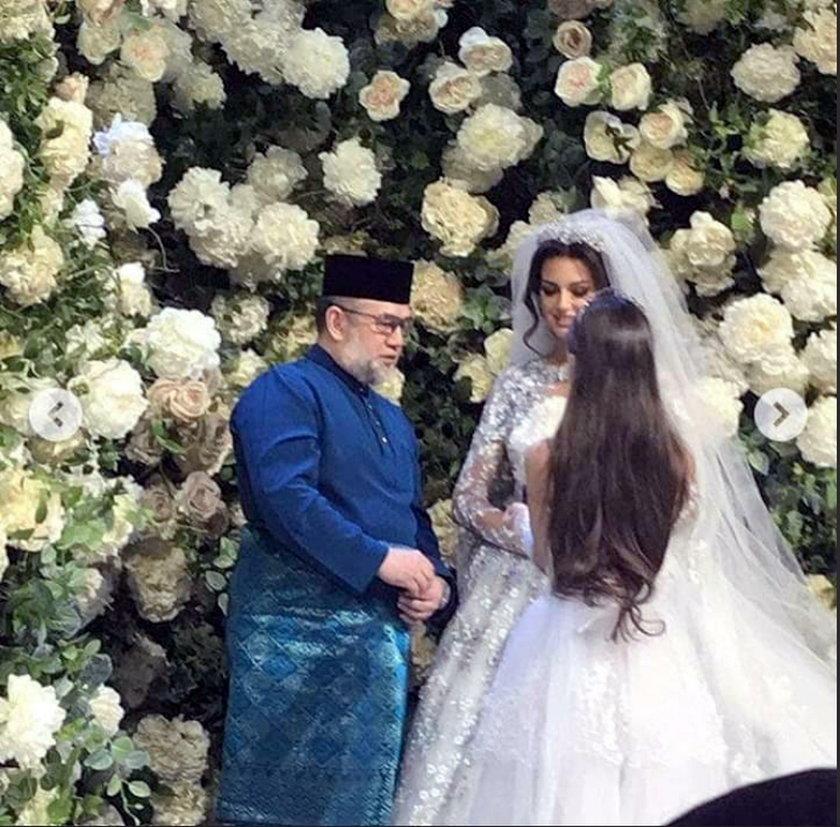 Były król Malezji rozstał się z miss Moskwy Oksaną Wojewodiną