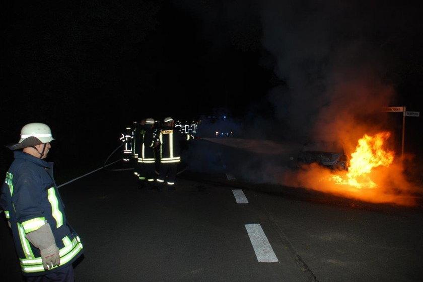 Uratowała brata bliźniaka z płonącego auta