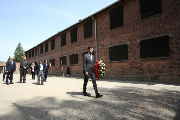 Premier Kanady zwiedził Muzeum Auschwitz