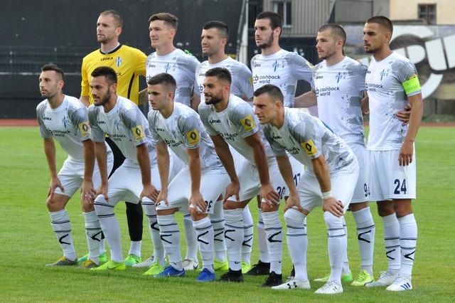 Igrači FK Budućnost pred prošlosezonski prijateljski meč sa Partizanom
