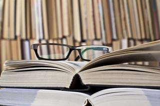 Okulary księgowego nie zawsze do odliczenia. Kiedy zakup jest kosztem?