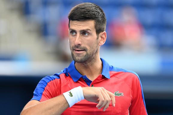 Žestok napad na Novaka u Tokiju! Čuveni teniser izgubio od Đokovića, pa OSUO PALJBU: Gađao me je u leđa, umalo je pogodio i Luizu!