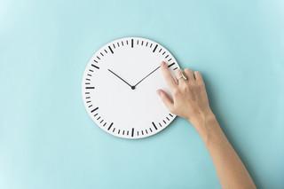 """Operacja """"czasowstrzymywacz"""". Czy odejście od tradycji sezonowej zmiany czasu jest już przesądzone?"""