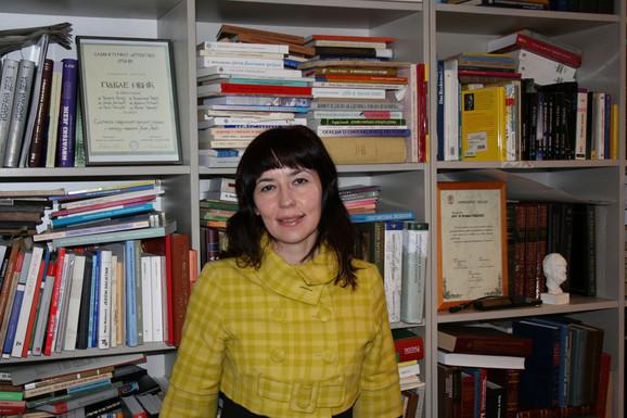 Dr Rajna Dragičević, profesorka Filološkog fakulteta u Beogradu