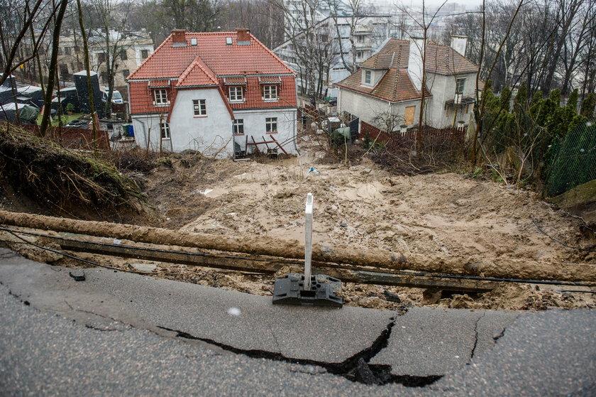 Skutki osunięcia skarpy na Kamiennej Górze w Gdyni