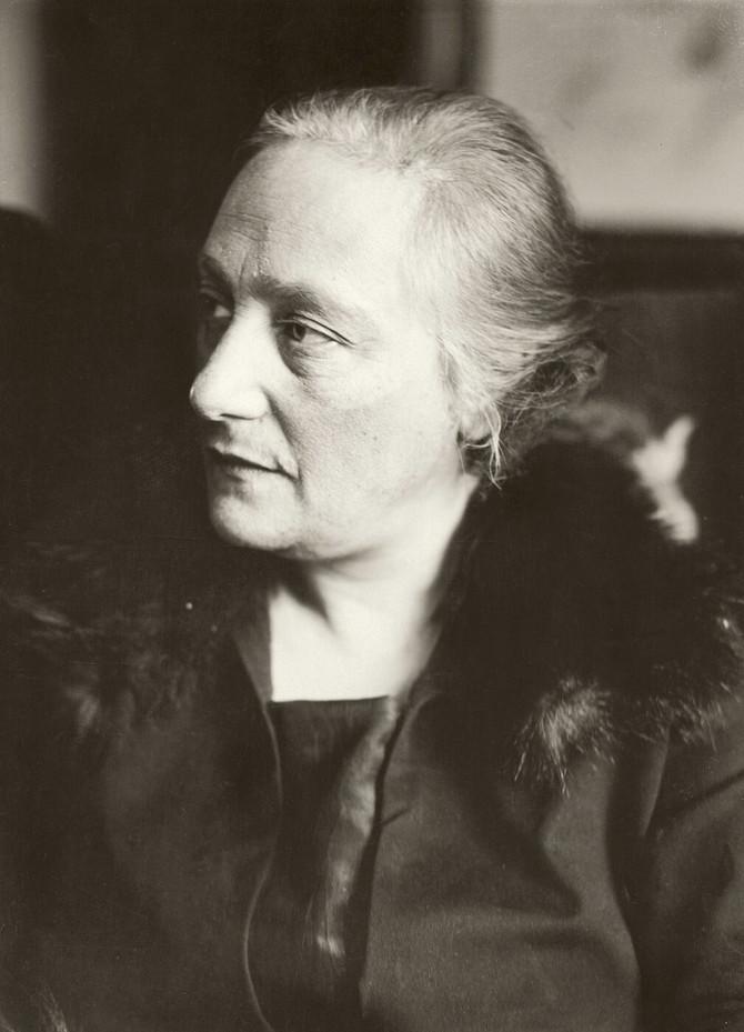 Elsa Lovental, fotografisano oko 1940. godine