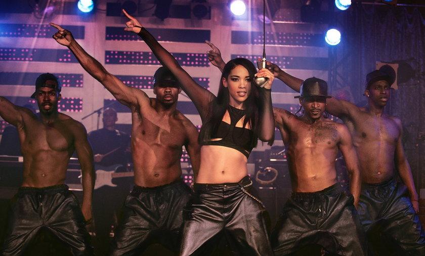 Aaliyah zginęła w katastrofie lotniczej w 2001 r.