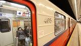 Metro jechało z otwartymi drzwiami