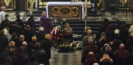 Pogrzeb Jerzego Grałka. Aktorzy żegnali go w deszczu