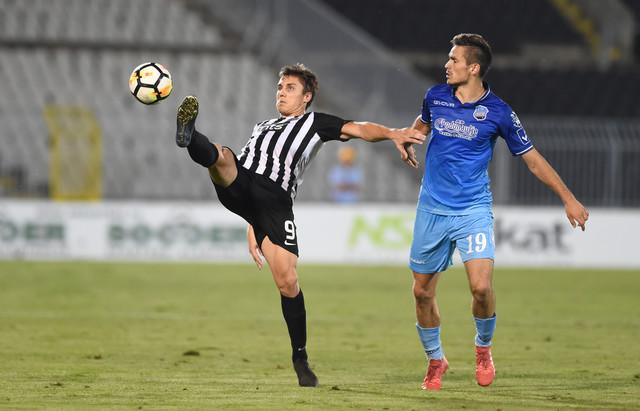 Nemanja Nikolić na meču protiv Bačke koji je odigran u Beogradu