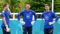 Dean Henderson (right) has been ruled out of England's Euro 2020 campaign due to injury Creator: JUSTIN TALLIS