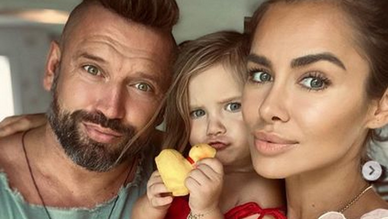 Natalia Siwiec z mężem i córką