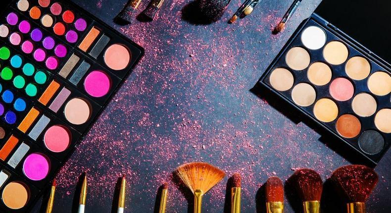 Makeup palette (Pinterest)