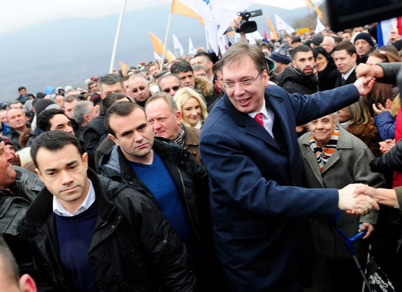 Brojni građani su okupili na svečanom otvaranju ovog dela autoputa