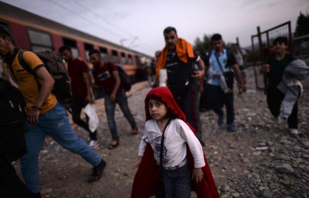 Macedonia: Imigranci kierują się na granicę z Serbią