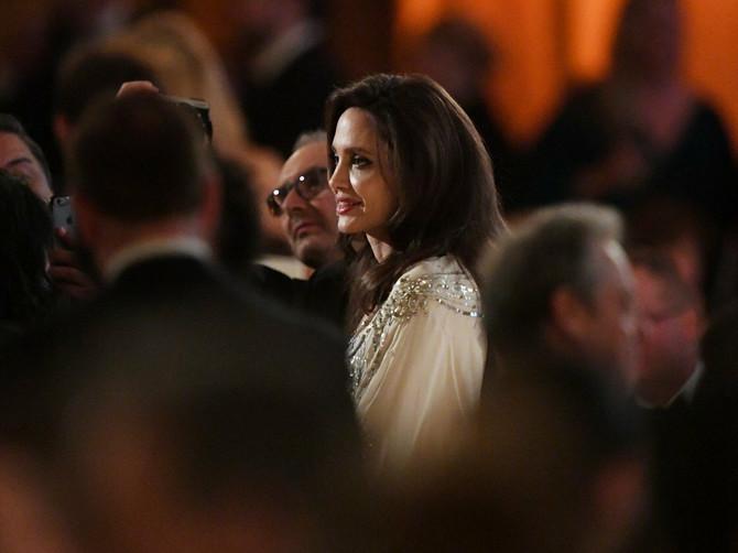 Anđelina izašla na scenu i sve ODUŠEVILA: Zbog OVOGA su njeni fanovi PRESREĆNI!