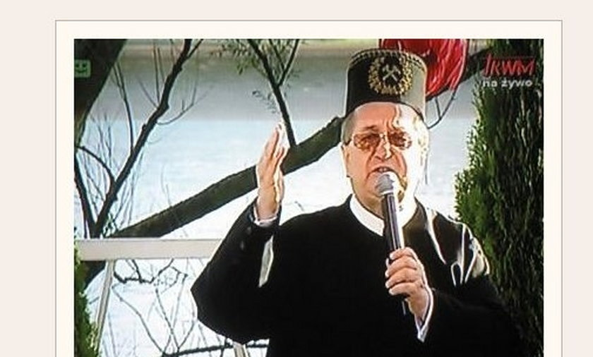 Ojciec Tadeusz Rydzyk w czapce górniczej.