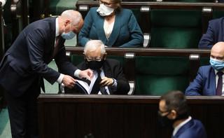 Sejm rozpoczął posiedzenie. Zajmie się projektem noweli w ustawie covidowej i zmianami w działach administracji