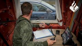 Holenderska policja patroluje autostrady... kamperami