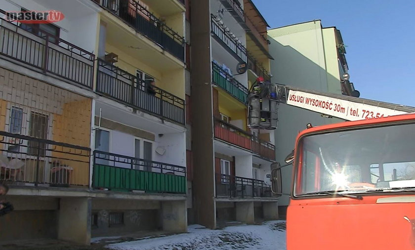 Strażaka z Łukowa oświadczył się na balkonie