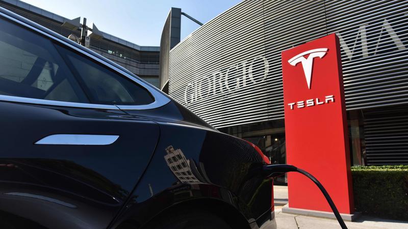 Tesla pracuje nad SI do swych aut