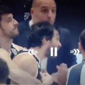 TEODOSIĆ NAPAO SUDIJU U ITALIJI! Marković ga jedva uhvatio, srpski plejmejker POBESNEO zbog isključenja, a snimak IZAZVAO BURU na društvenim mrežama! /VIDEO/