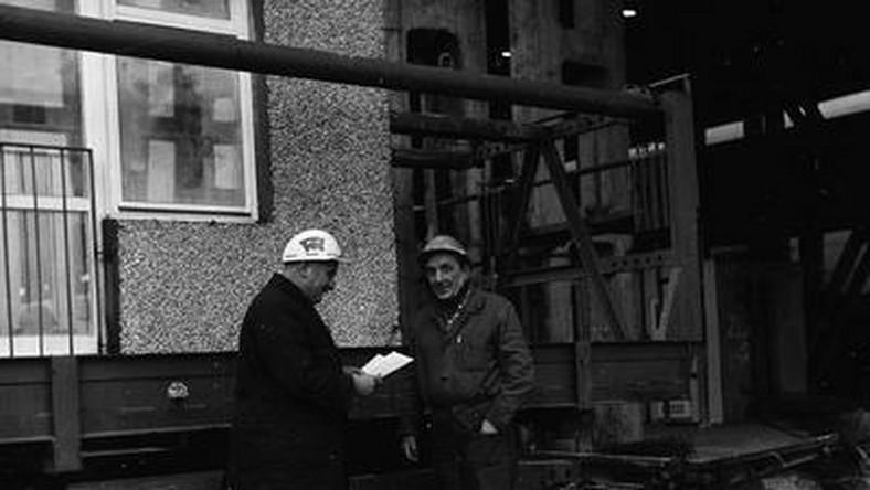 """Pierwsze domy z wielkiej płyty powstawały na Zachodzie. Dokładnie w Holandii, a było to tuż po I wojnie światowej. Z czasem dołączyli do nich Niemcy – kilka bloków w berlińskiej dzielnicy Lichtenberg, a potem także Francuzi, Szwedzi i Związek Radziecki. To """"domy z betonu"""" stawiano na masową skale."""