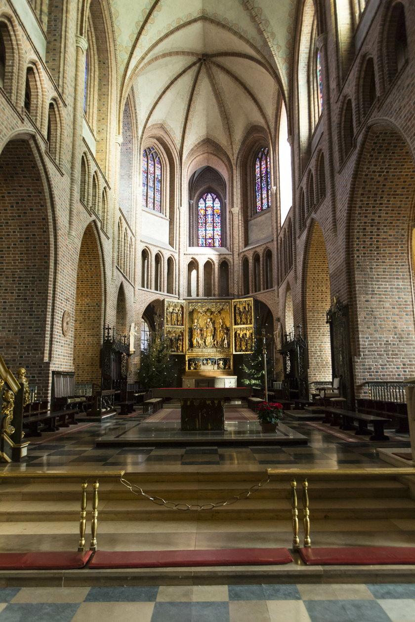 Wielkie sprzątanie w katedrze