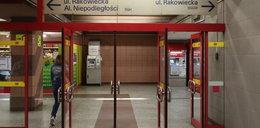 Tablice w metrze wprowadzają w błąd