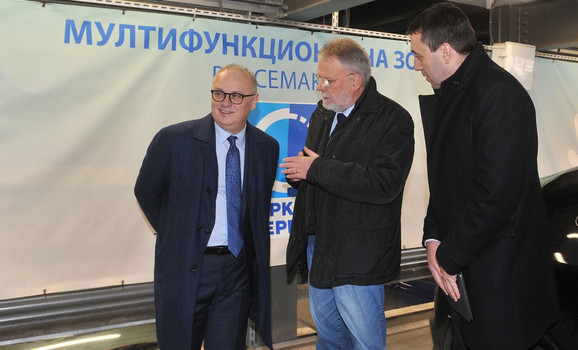 Zamenik Gradonačelnika Goran Vesić najavio besplatno parkiranje vozila u garaži na Zelenom vencu, kako bi se smanjilo korišćenje vozila na dizel
