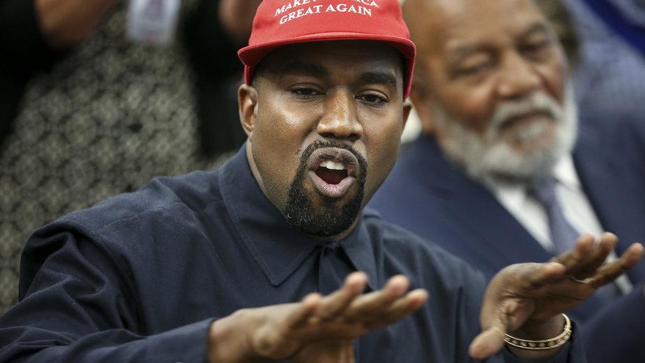 Kanye West podczas spotkania z Donaldem Trumpem w Białym Domu, 2018 r.