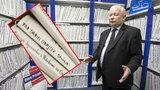 """Teczka z napisem """"Obajtek"""" na półce u Kaczyńskiego. Co w niej jest? [MAMY ZDJĘCIA]"""