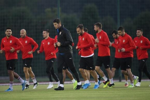 Fudbalska reprezentacija Srbije, fudbalska reprezentacija Paragvaja