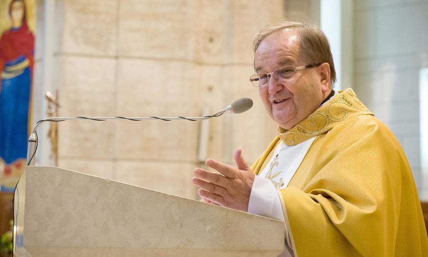 Ojciec Rydzyk odprawia mszę