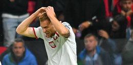 Dziennikarz TVP Sport pokazał, czym w Tiranie rzucano w polskich piłkarzy. Mogło dojść do tragedii