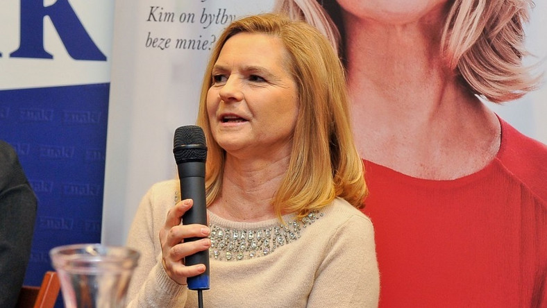 """Małżonka premiera od kilku dni intensywnie promuję swoją książkę """"Między nami"""""""