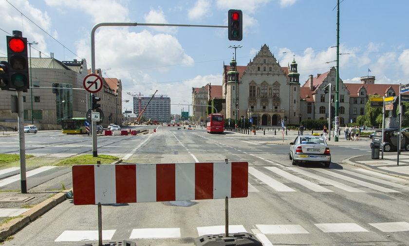 Skrzyżowanie Niepodległości i św. Marcin