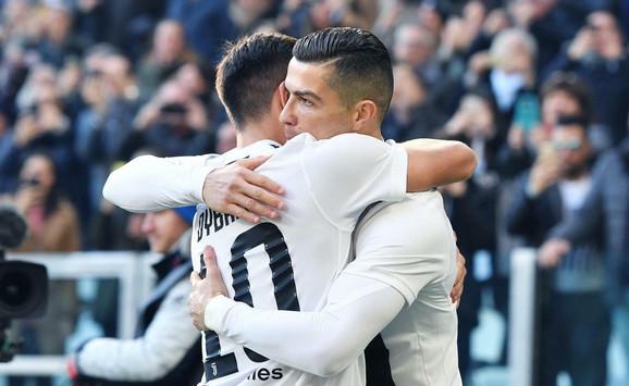 Kristijano Ronaldo slavi jedan od svoja dva gola Sampdoriji