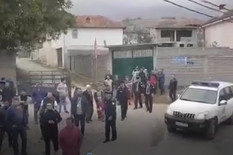 """ČULI SU SE PUCNJI, A ONDA SU POLETELE KAMENICE"" Ispovest Srba koji su danas napadnuti na Kosovu (FOTO, VIDEO)"