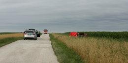Pijany kierowca porzucił auto z martwym kolegą