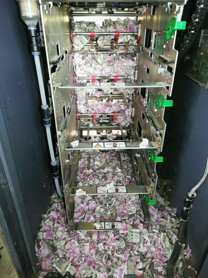 Zepsuł się bankomat