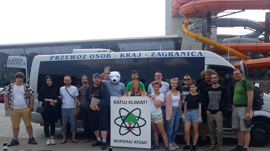 FOTA4Climate przed wyjazdem do niemieckiej elektrowni jądrowej Grohnde, fot. Agata Brzezińska