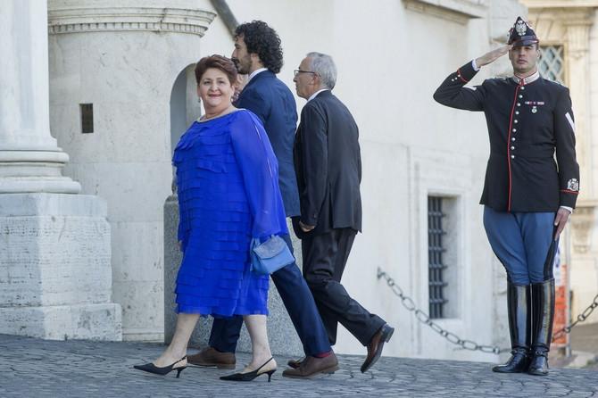 Tereza Belanova na inauguraciji u plavoj haljini