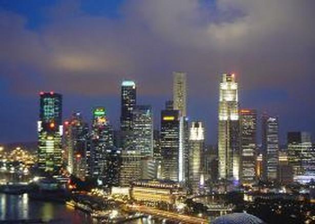 1. miejsce - Singapur. W tym mieście prawie co piąty mieszkaniec zaliczany jest do grupy milionerów. Żyje ich tu 188 tysięcy.