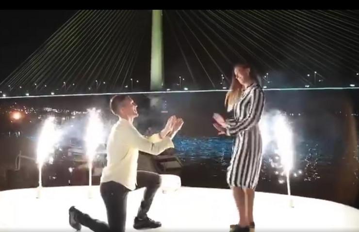 Marinković zaprosio devojku