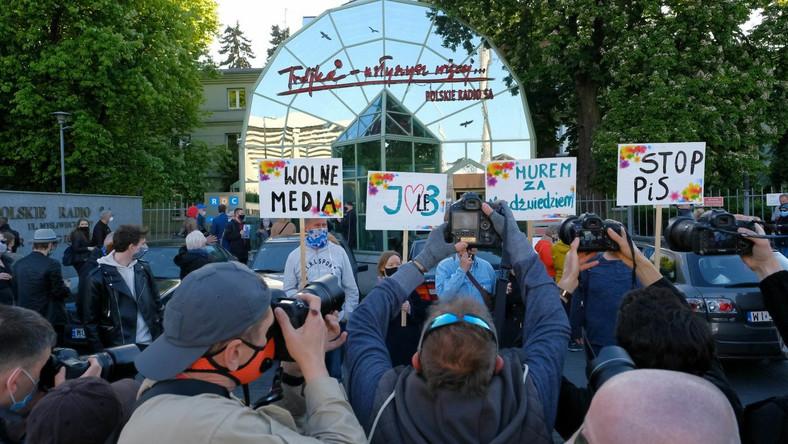 Protest przed siedzibą radiowej Trójki